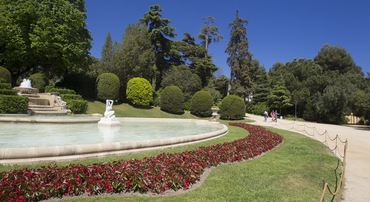Charming parks and gardens in the city of Barcelona
