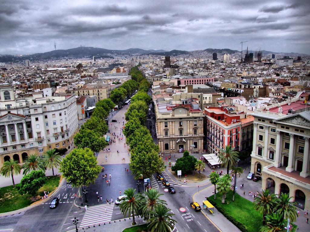 A walk along the Ramblas, from Plaza Cataluña to Colón