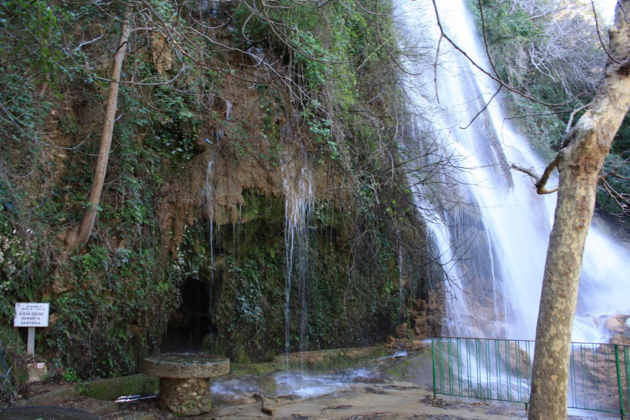 Salto de agua de La Caula