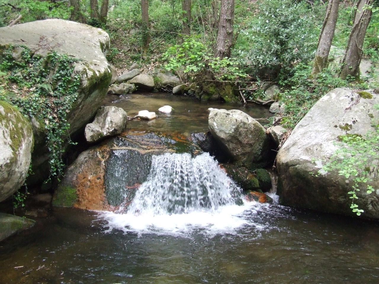 Saltos de agua en Santa Fe del Montseny