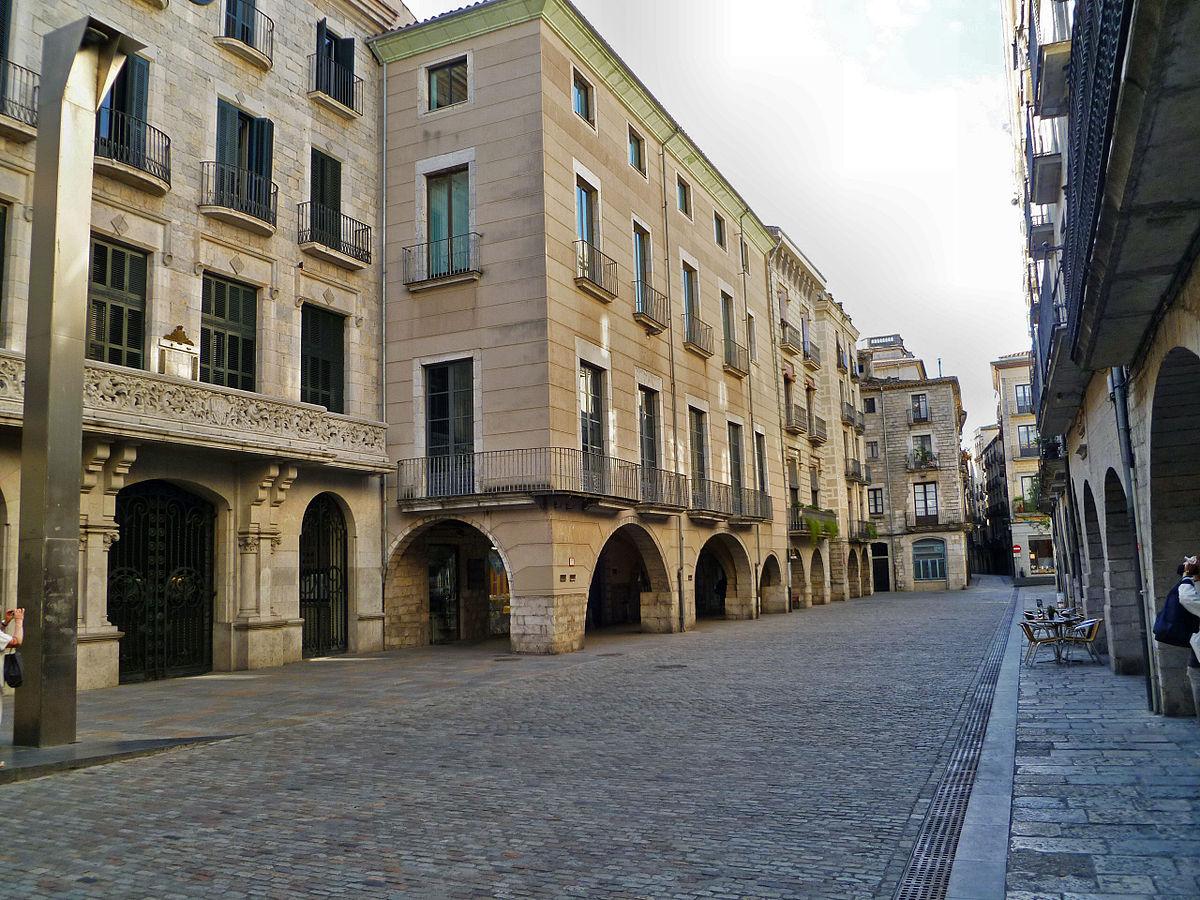 The Plaza del Vi